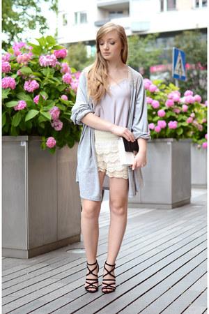 eggshell OASAP shorts