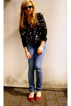 bardot blouse - Levis jeans - Gucci shoes