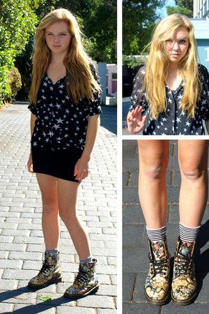 black blouse - black skirt - gold shoes