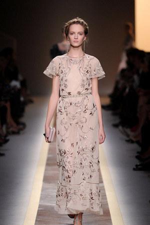 beige Valentino Broderet skirt - black Valentino Broderet skirt