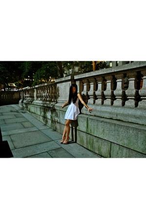 white babydoll Zara dress - peach peeptoe Bamboo heels