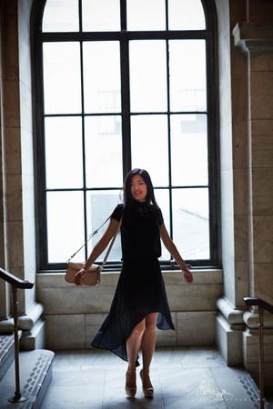 black high-low thrifted skirt - nude shoulder thrifted bag