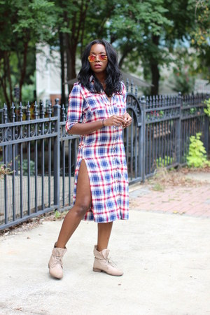 beige Skechers boots - red tartan Nasty Gal dress