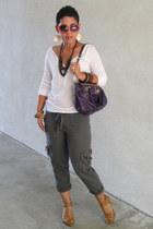 tan Audrey Brooks pumps - deep purple coach bag - white American Eagle t-shirt