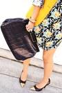 Black-dyi-gold-cap-toe-pumps-sky-blue-babydoll-urban-outfitters-dress