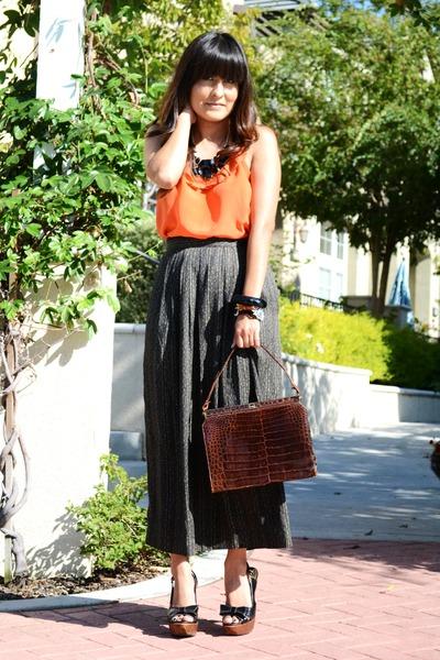 dark brown thrifted vintage purse - black bow peep-toe Steve Madden pumps
