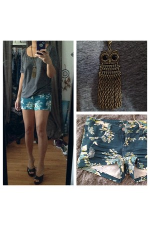 owl necklace - blue floral shorts shorts - heather gray t-shirt - black sandals