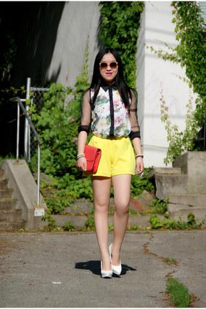yellow Olivia shorts