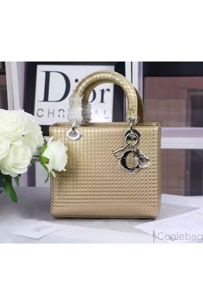 0f1d134a13 ... CHAMPAGNE METALLIC CALFSKIN WITH MICRO-CANNAGE MOTIF CRUIS. Updated on  Nov 20, 2015. christian dior bag