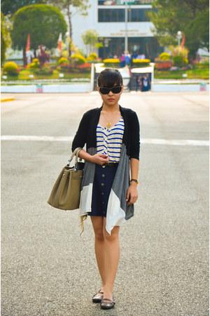 tan Hermes bag - rayban sunglasses - dark brown cambodia flats