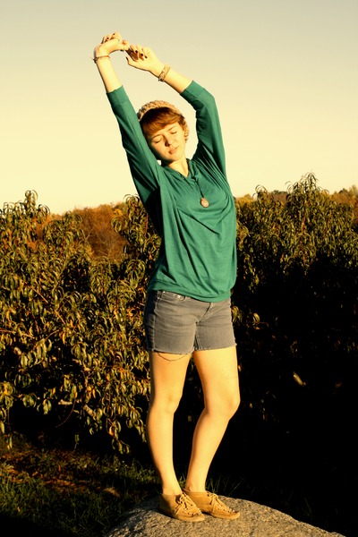 beige DIY knit hat - green American Apparel sweater - blue DIY shorts - beige Mi