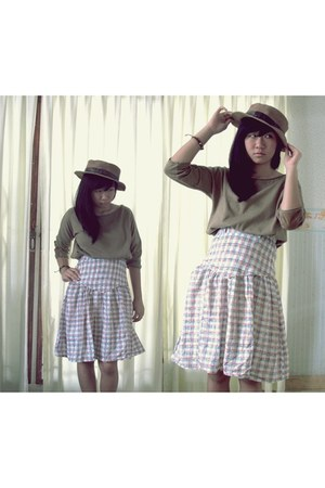 Naughty hat - skirt - blouse