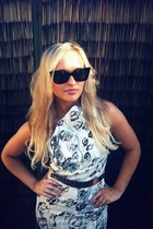 black snow leopard karen millen dress - cat wing markets sunglasses