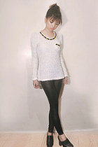 knitted sweater - tights - wooden heel Parishian clogs