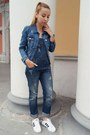 Blue-denim-mango-jacket-blue-superstar-adidas-sneakers