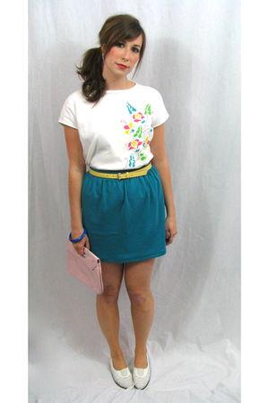 white Miskabelle vintage shirt - yellow vintage nfs belt - blue Miskabelle vinta