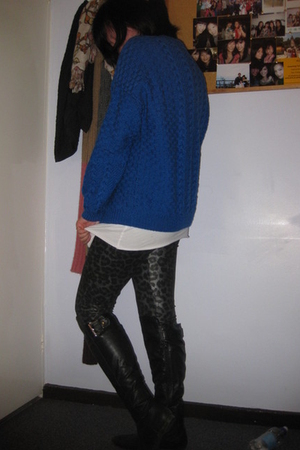 sweater - Uniqlo t-shirt - Forever 21 leggings - Ebay boots