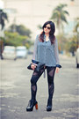 Black-studded-leggings