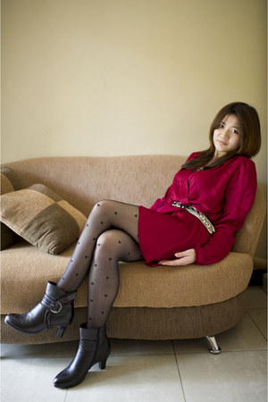 Love dress - leather boots Sophire BabaLa boots - heart tights GOWIGASA leggings