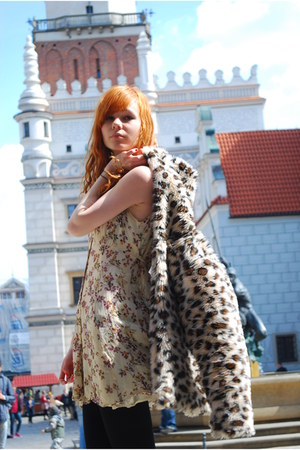 beige vintage dress - mustard leopard print no name coat