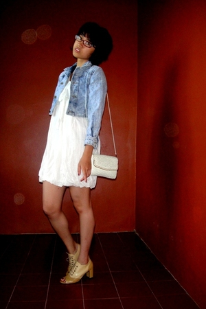 blue jacket - white dress - beige shoes - white