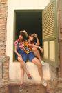 Friends-red-randombrand-shirt-blue-valleygirl-shorts-green-vintage