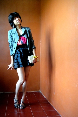 gray - pink top - black skirt - gray shoes