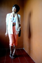 white blazer - beige top - orange pants - green - brown shoes