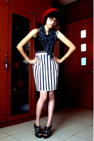 hat - top - stripped highwaist skirt - studdedzippered shoes