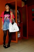NYDOLLS concert shirt - acidwashed vintage shorts - random lace leggings - moms