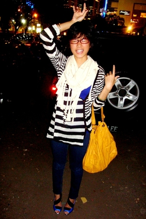 B&w stripped top - scarf - top - - shoes
