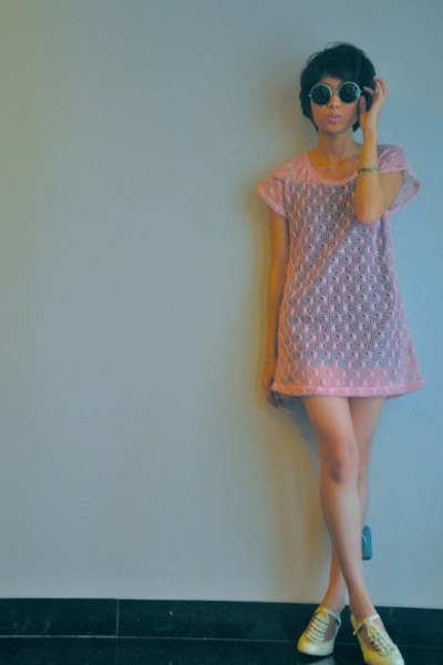 vintage - pink iconia dress - beige Scooter shoes