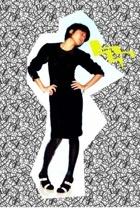 vintage dress - sparkling stockings - b&w shoes