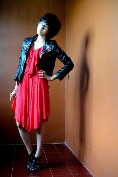 "Black Jackets, Red Dresses, Black Shoes | ""arrows of eros ..."