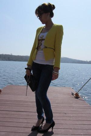 yellow Zara blazer - blue Zara jeans - black H&M heels