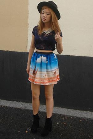 skirt - hat