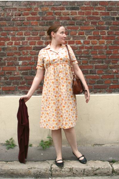 orange vintage thrift dress - thrift sweater - brown vintage thrift bag