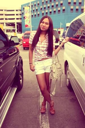 white metro ayala shorts - red H&M top - tawny Celine wedges