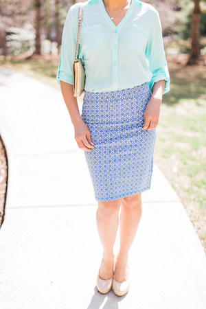 cayman blue Express Portifino shirt - geometric print Old Navy skirt