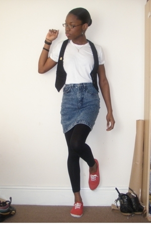 bay vest - unknown t-shirt - Topshop Vintage skirt - Office shoes - accessories