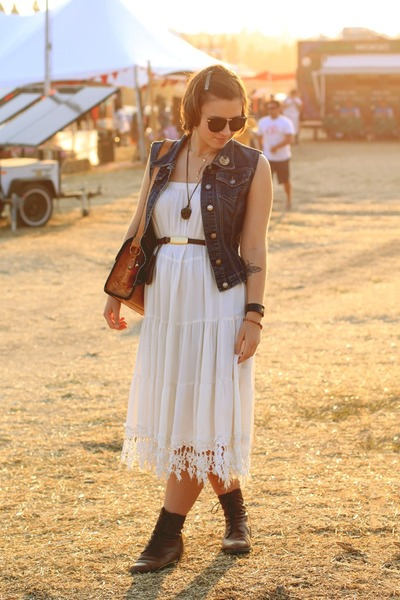 vintage boots - vintage purse - vintage skirt - DIY vest