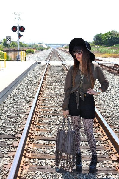 leopard print tights - black boots - heather gray fringed bag