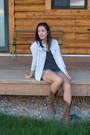 Crimson-leather-ariat-boots-light-blue-bycorpus-shirt
