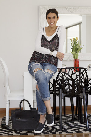 Misslittletouch bag - Zara jeans - Zara blouse - Misslittletouch sneakers