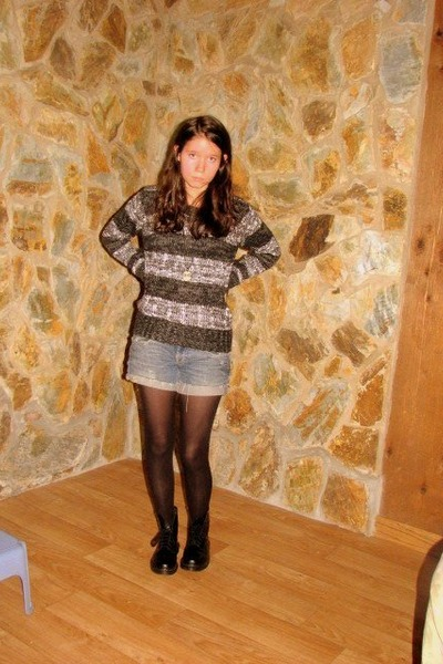 black BDG sweater - black Jcrew stockings - navy DIY shorts - beige Earthbound A