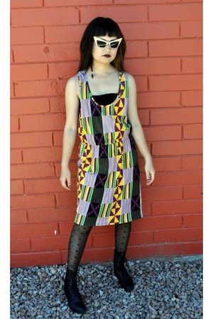 yellow yaya dress - black bra - black HUE tights - black boots - gold Alexander