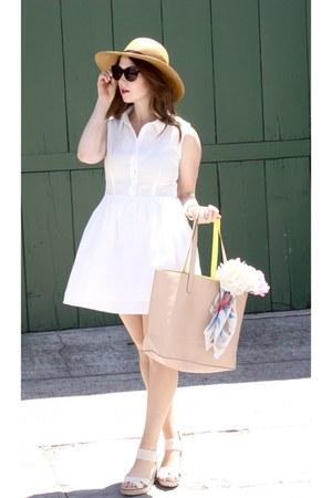 white Mint Julep Boutique dress