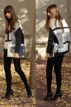 heather gray oversized Mango sweater - black cashmere Calzedonia tights