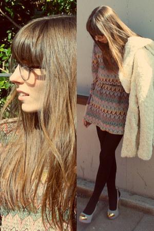 light brown retro Etnia Barcelona glasses - periwinkle printed BLANCO dress