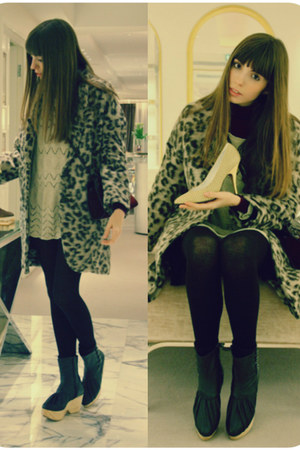 leopard print Zara coat - leather Miriam Ponsa boots - leather bag vintage bag